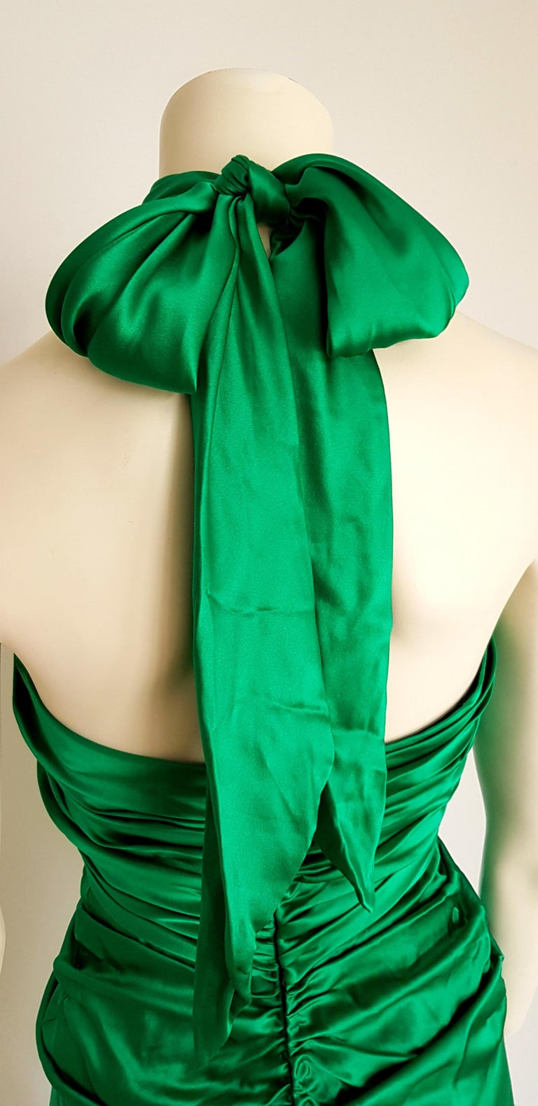 VALENTINO Haute Couture Green Silk Gown Evening Dress - Unworn, New For Sale 2