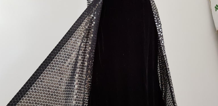VALENTINO Haute Couture, sequins, silk velvet, black gown dress - Unworn, New For Sale 7