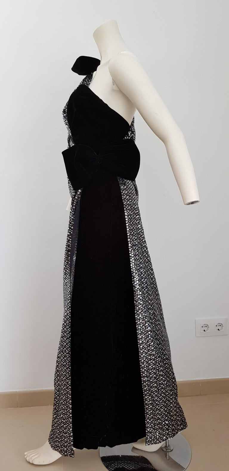 Black VALENTINO Haute Couture, sequins, silk velvet, black gown dress - Unworn, New For Sale