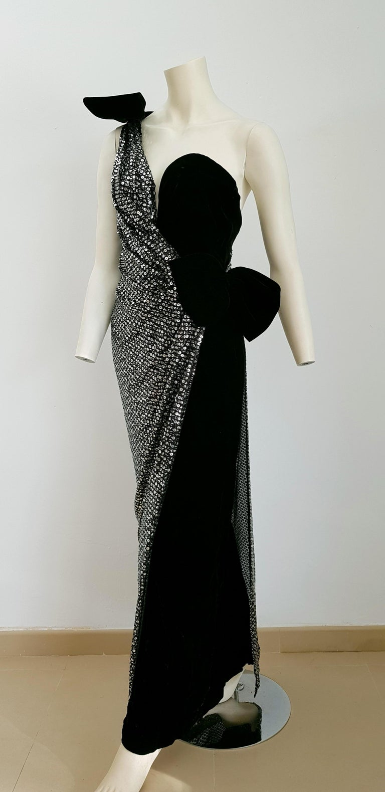 Women's VALENTINO Haute Couture, sequins, silk velvet, black gown dress - Unworn, New For Sale