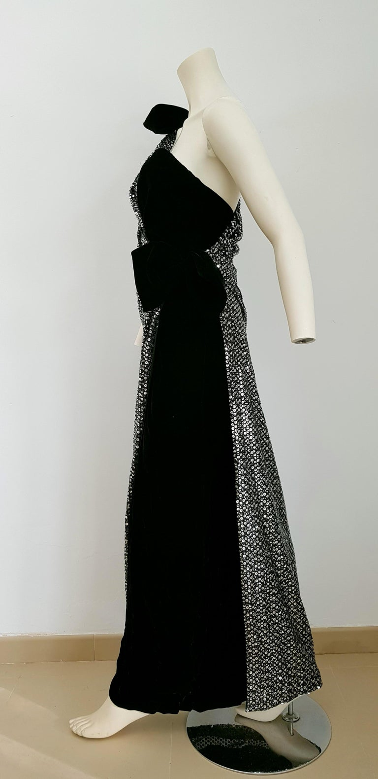 VALENTINO Haute Couture, sequins, silk velvet, black gown dress - Unworn, New For Sale 1