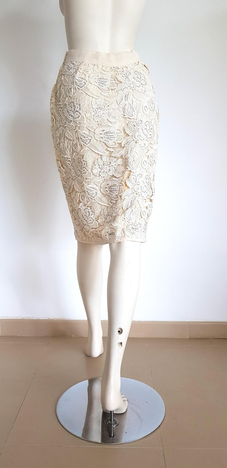 VALENTINO Haute Couture Swarovski Diamonds Embroidered Lace Beige Suit - Unworn For Sale 6
