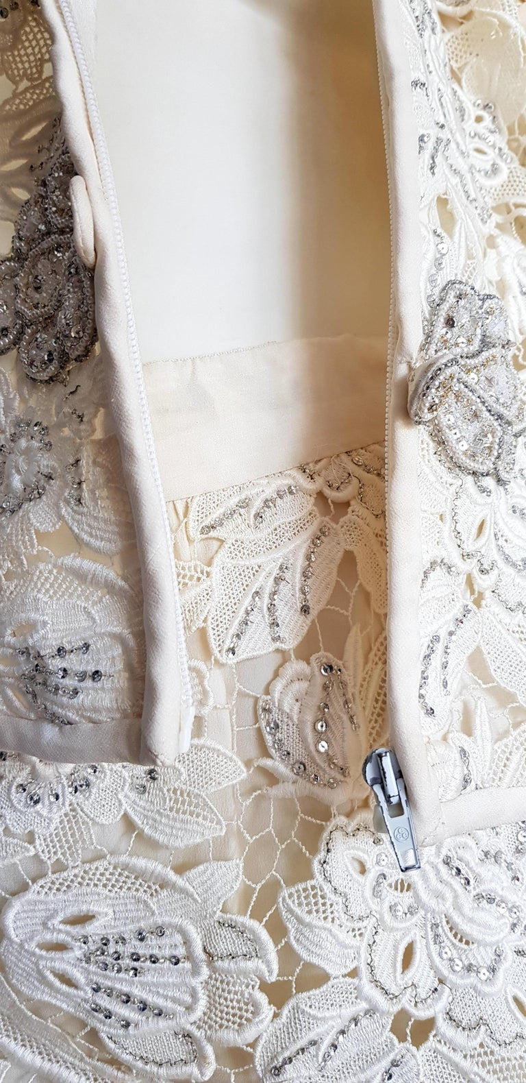 VALENTINO Haute Couture Swarovski Diamonds Embroidered Lace Beige Suit - Unworn For Sale 8
