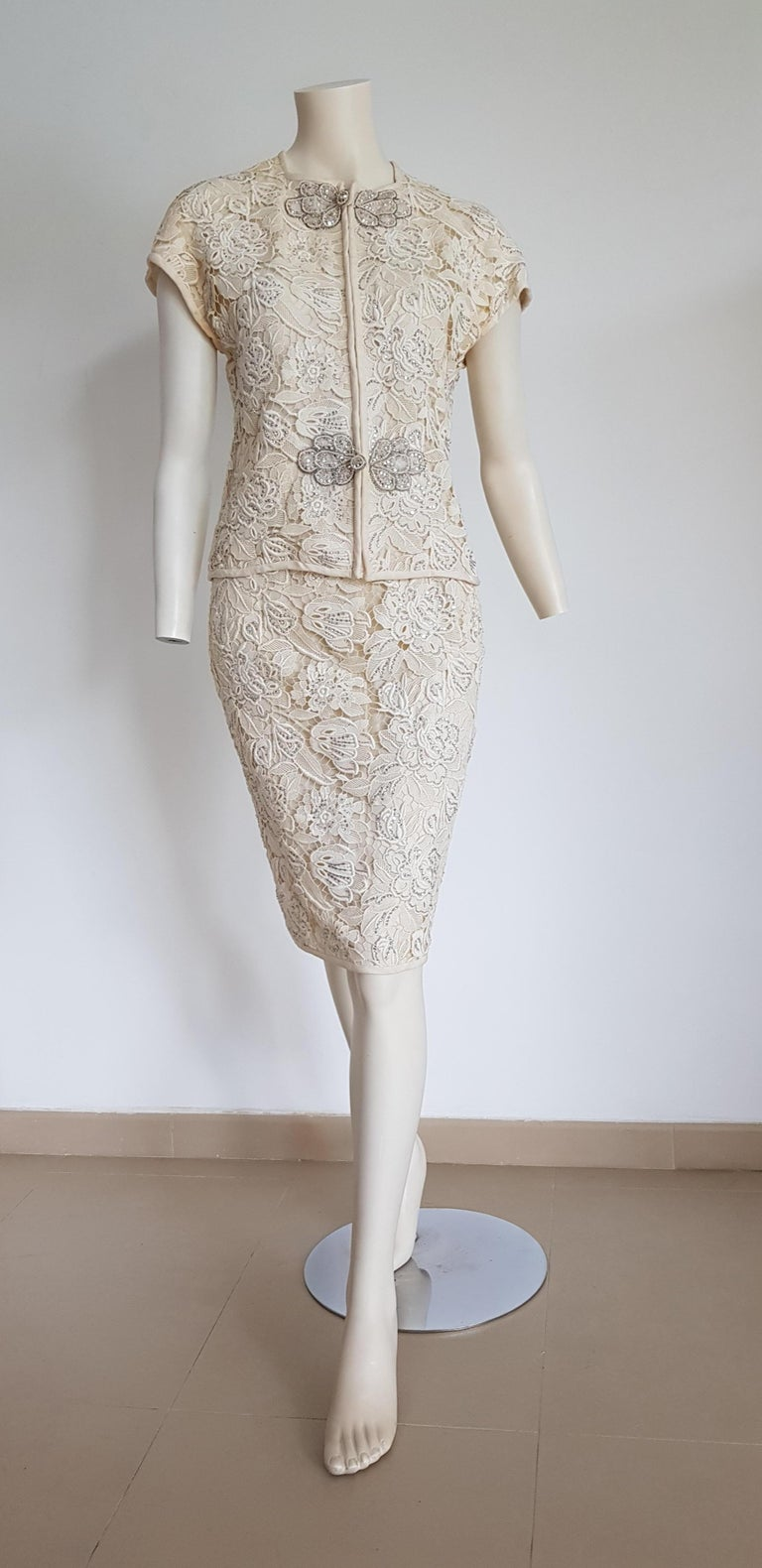VALENTINO Haute Couture swarovski diamonds hand embroidered lace beige silk suit - Unworn   SIZE: equivalent to about Small / Medium, please review approx measurements as follows in cm.  JACKET: lenght 56, chest underarm to underarm 54, bust