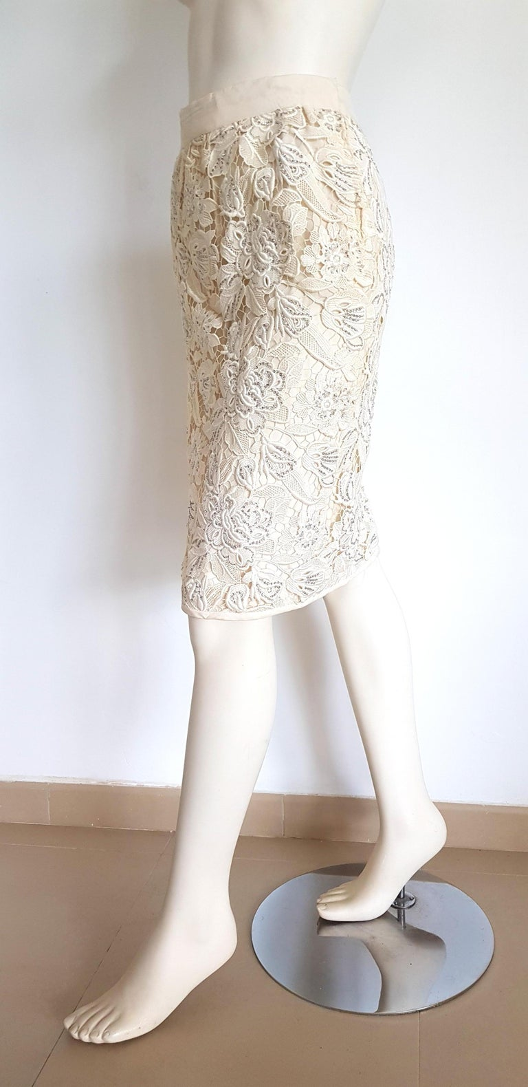 VALENTINO Haute Couture Swarovski Diamonds Embroidered Lace Beige Suit - Unworn For Sale 3