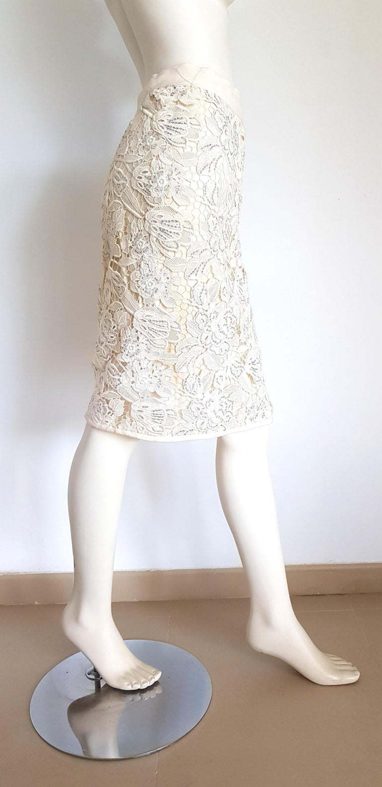VALENTINO Haute Couture Swarovski Diamonds Embroidered Lace Beige Suit - Unworn For Sale 4