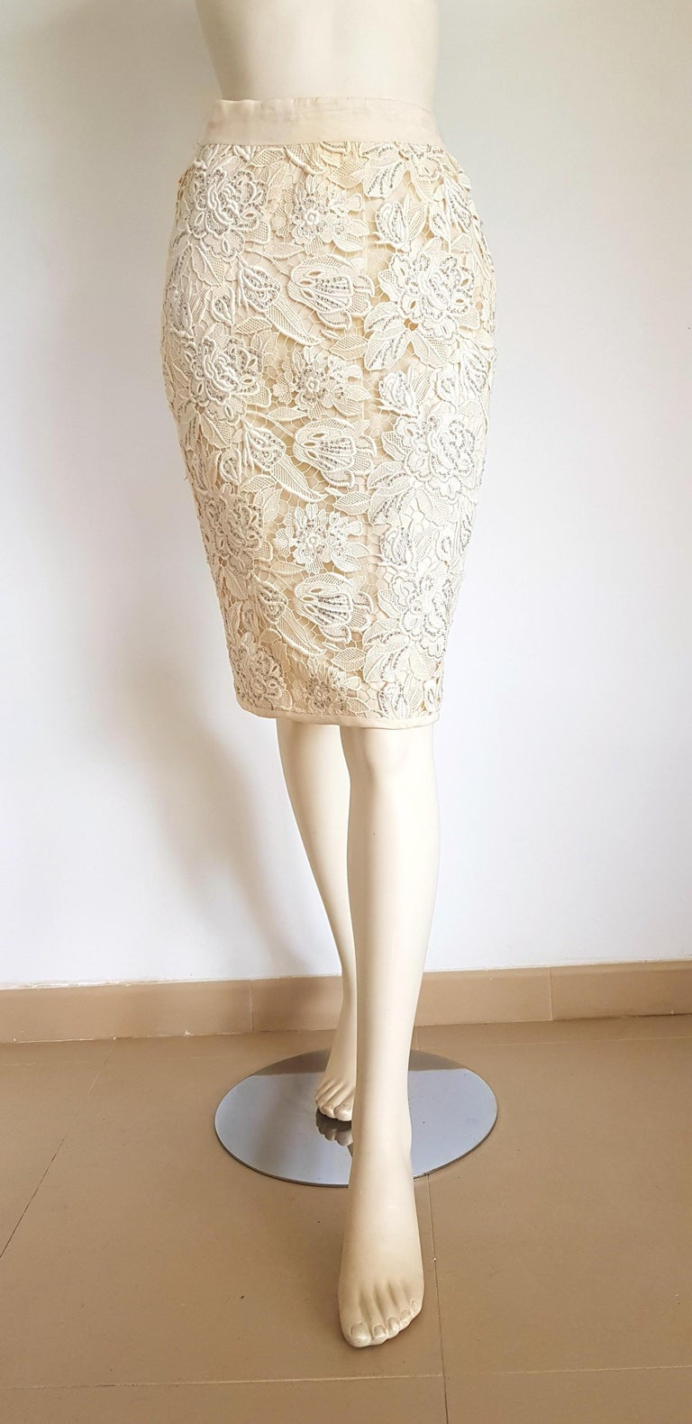 VALENTINO Haute Couture Swarovski Diamonds Embroidered Lace Beige Suit - Unworn For Sale 5