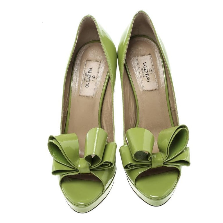 f593c6124 Valentino Lime Green Patent Leather Couture Bow Peep Toe Platform Pumps Size  38 In Good Condition