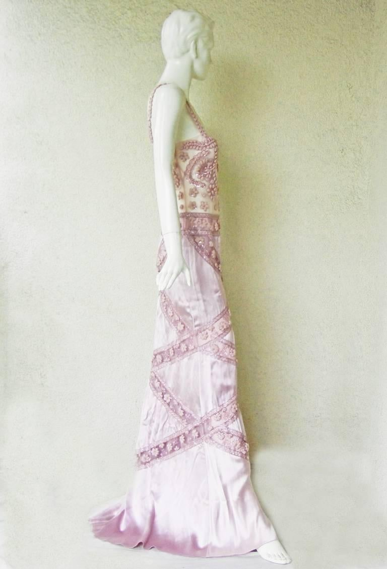 Women's   Valentino Hand Embroidered Lilac Runway Evening Gown Dress   New! For Sale