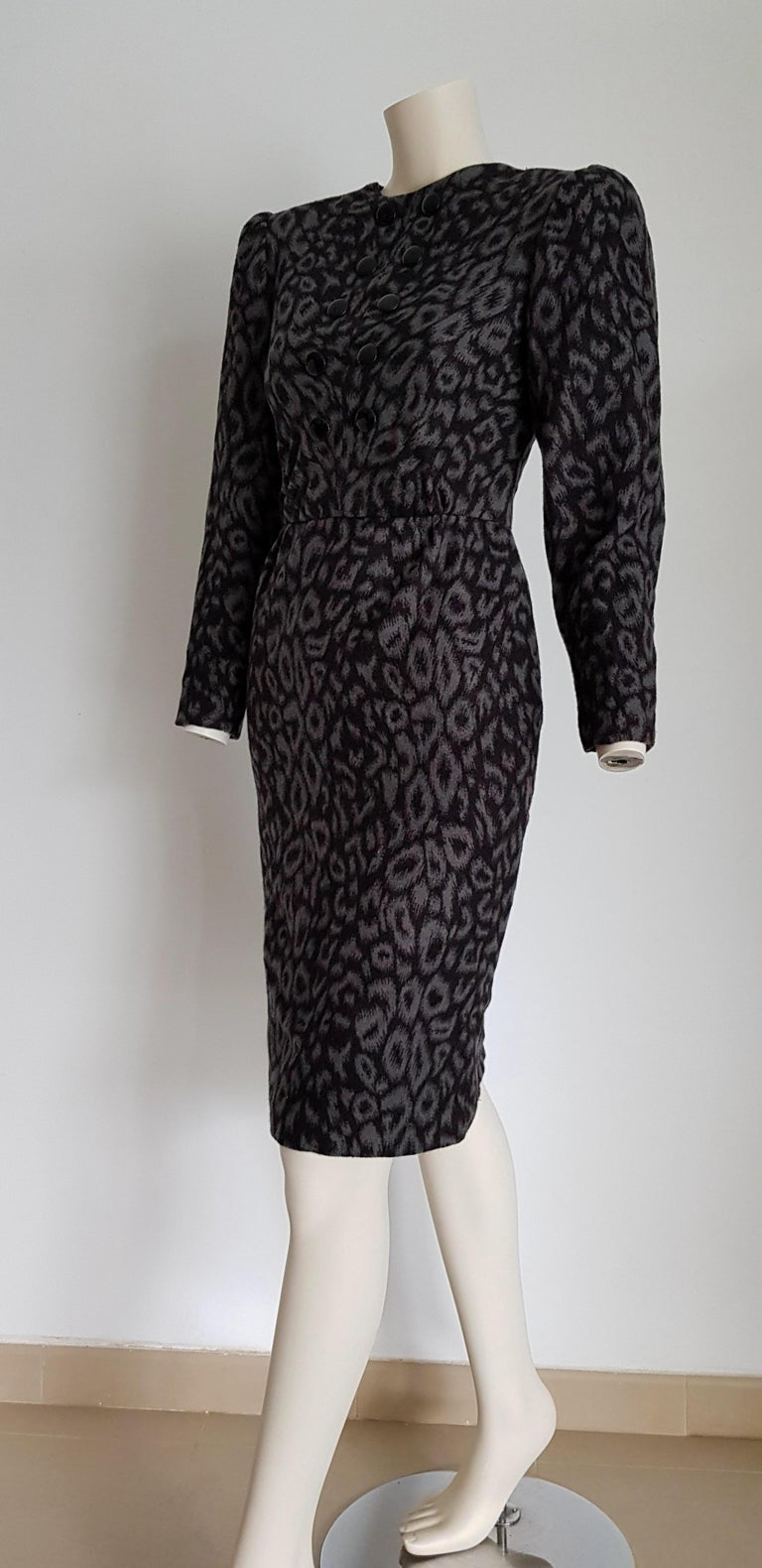 VALENTINO black and grey leopard print cashmere dress - Unworn, New. .. SIZE: equivalent to about Small / Medium, please review approx measurements as follows in cm: lenght 102, chest underarm to underarm 48, bust circumference 87, shoulder from