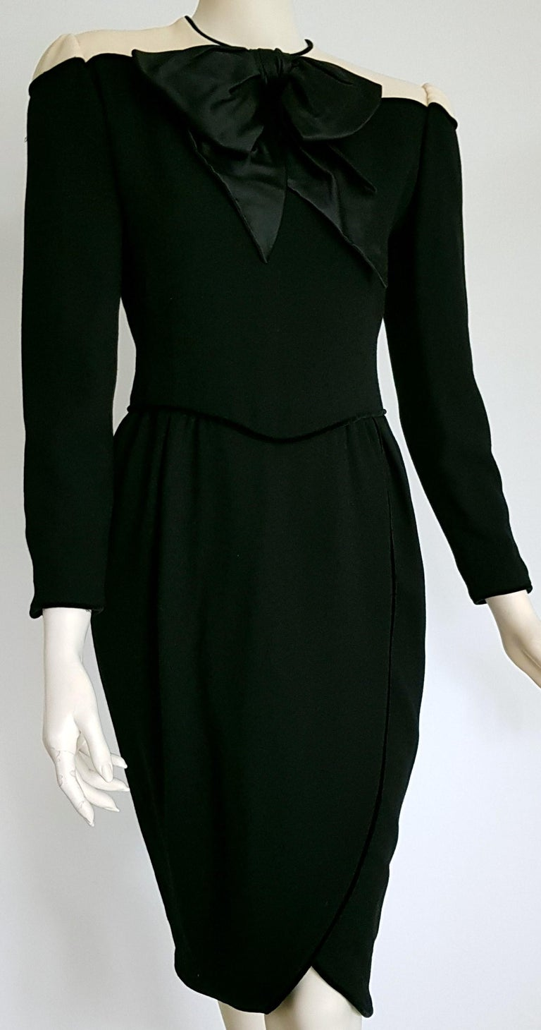 VALENTINO black wool and silk crêpe, cream shoulders, bow in front, velvet hems dress - Unworn.  SIZE: equivalent to about Small / Medium, please review approx measurements as follows in cm: lenght 105 (41.33 inc), chest underarm to underarm 46