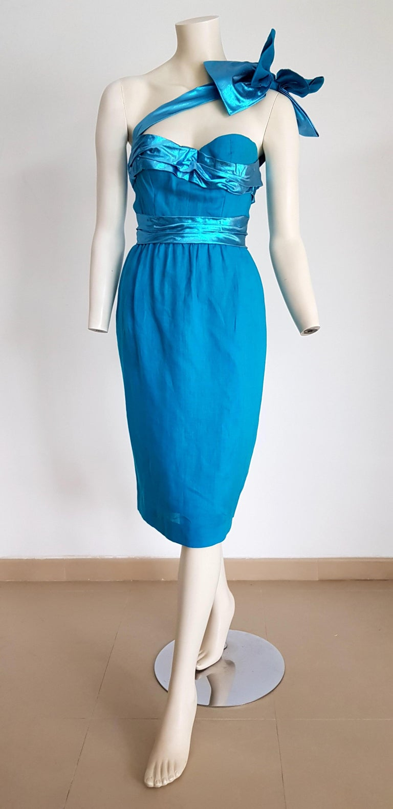 VALENTINO Haute Couture a Shoulder Strap Turquoise Evening Dress - Unworn, New.  SIZE: equivalent to about Small / Medium, please review approx measurements as follows in cm: lenght 104, chest underarm to underarm 50, bust circumference 89, waist
