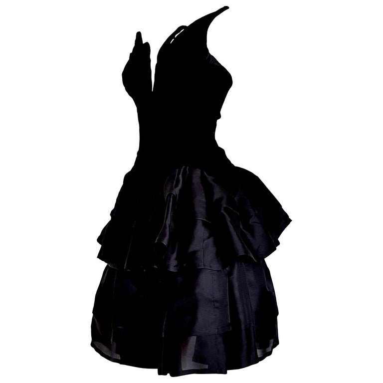 "VALENTINO ""New"" Haute Couture Velvet Corsage Silk Flounced Gown Dress - Unworn For Sale"