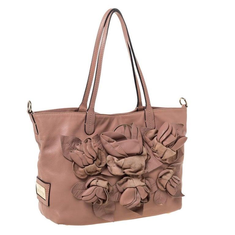 Valentino Old Rose Leather Floral Applique Tote In Good Condition For Sale In Dubai, Al Qouz 2