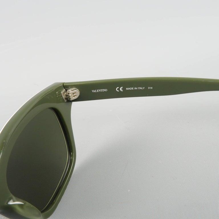 Women's or Men's VALENTINO Olive & Lime Green Camouflage Acetate Rockstud Wayfarer Sunglasses For Sale
