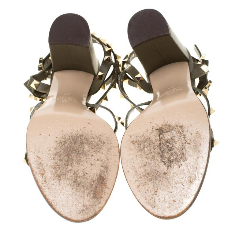 Valentino Olive Green Leather Rockstud Caged Sandals Size 37 In Good Condition In Dubai, Al Qouz 2