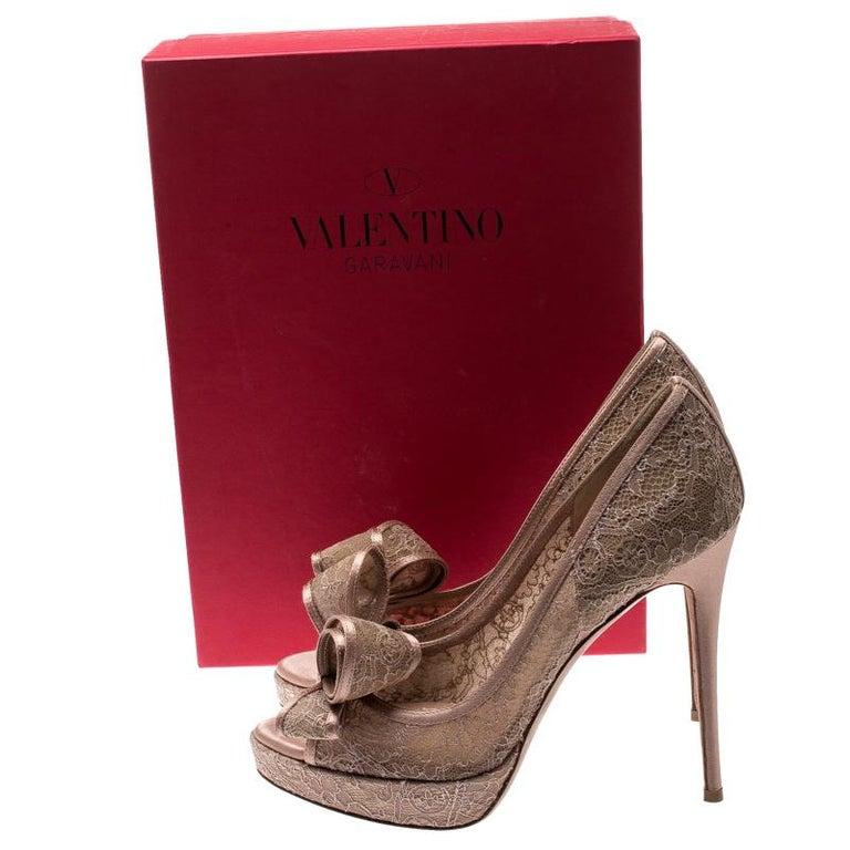 Valentino Pale Pink Floral Couture Bow Lace Peep Toe Platform Pumps Size 38 For Sale 3