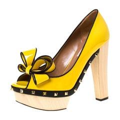 Valentino Patent Wooden Platform Rockstud Trim Bow Detail Peep Toe Pumps 38.5