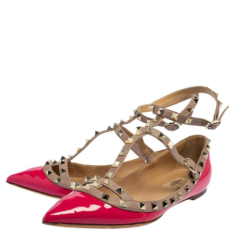 Valentino Pink Patent Leather Rockstud Ankle Strap Flats Size 41 In Good Condition For Sale In Dubai, Al Qouz 2