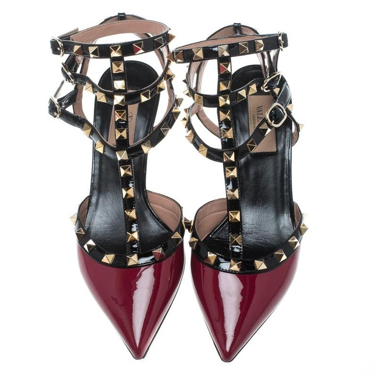 Valentino Red/Black Patent Leather Rolling Rockstud Sandals Size 38 For Sale 1