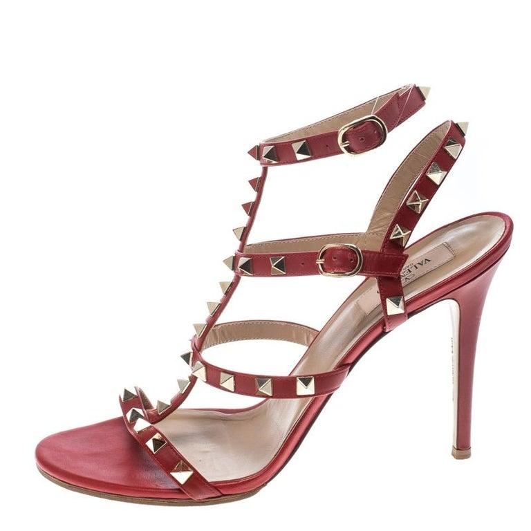 cb83c6892ce0 Valentino rote Leder Rockstud Sandalen mit Knöchelriemen Größe 40 im ...
