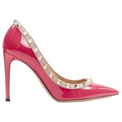 VALENTINO Rockstud pink patent pyramid stud trimmed pointy pigalle pump EU35.5