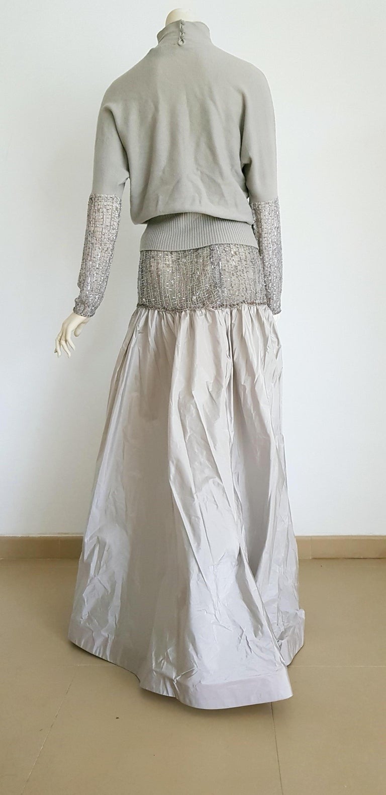 VALENTINO Top Sweater Skirt Swarovsky Embroidery Beads Cashmere Silk Dress - New In New Condition For Sale In Somo (Santander), ES