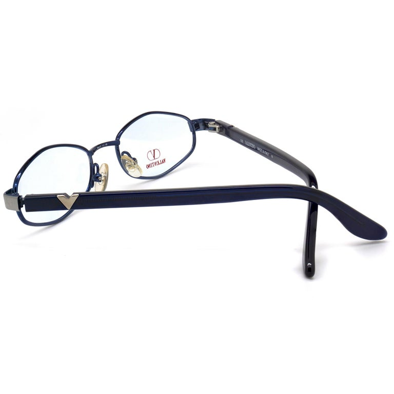 Valentino vintage eyeglasses In New Condition For Sale In Feasterville Trevose, PA