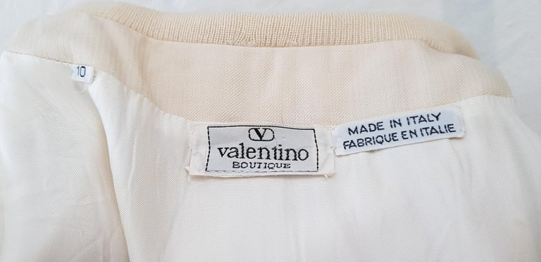 VALENTINO white cream silk and wool silk lined buttons dress - Unworn For Sale 6