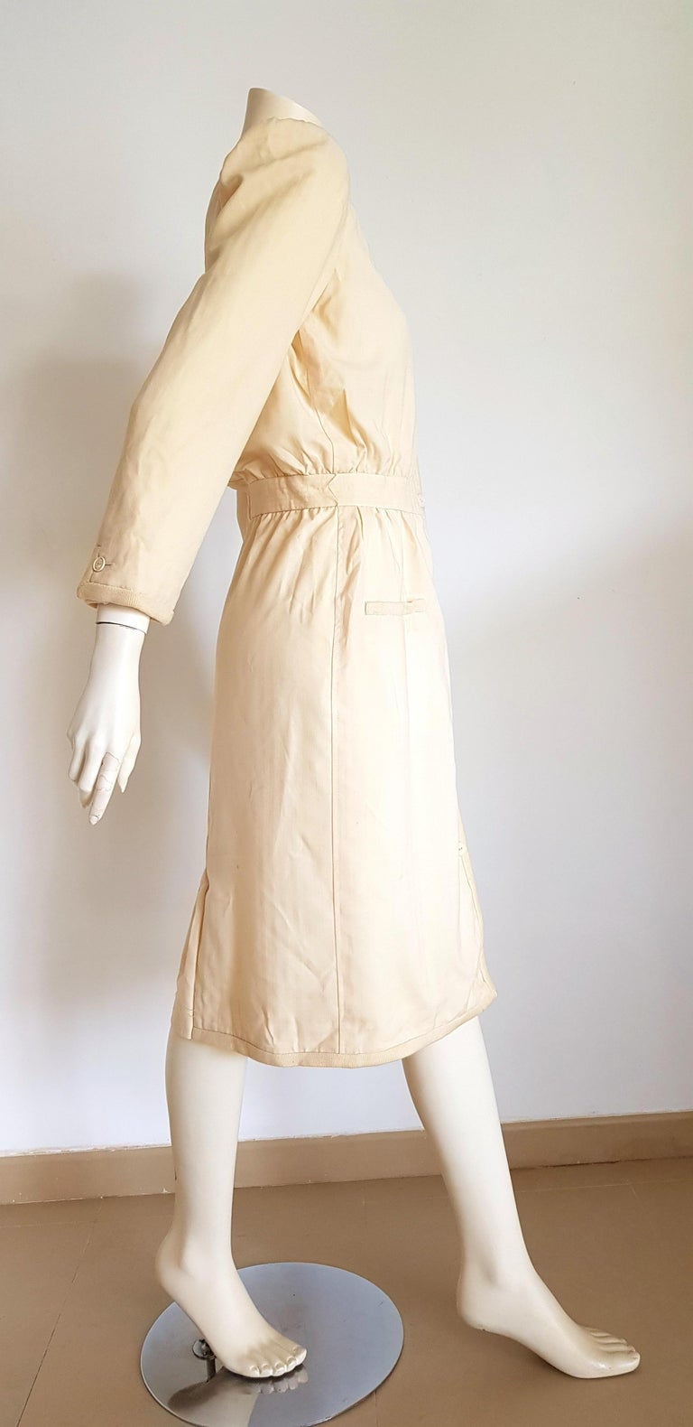 White VALENTINO white cream silk and wool silk lined buttons dress - Unworn For Sale