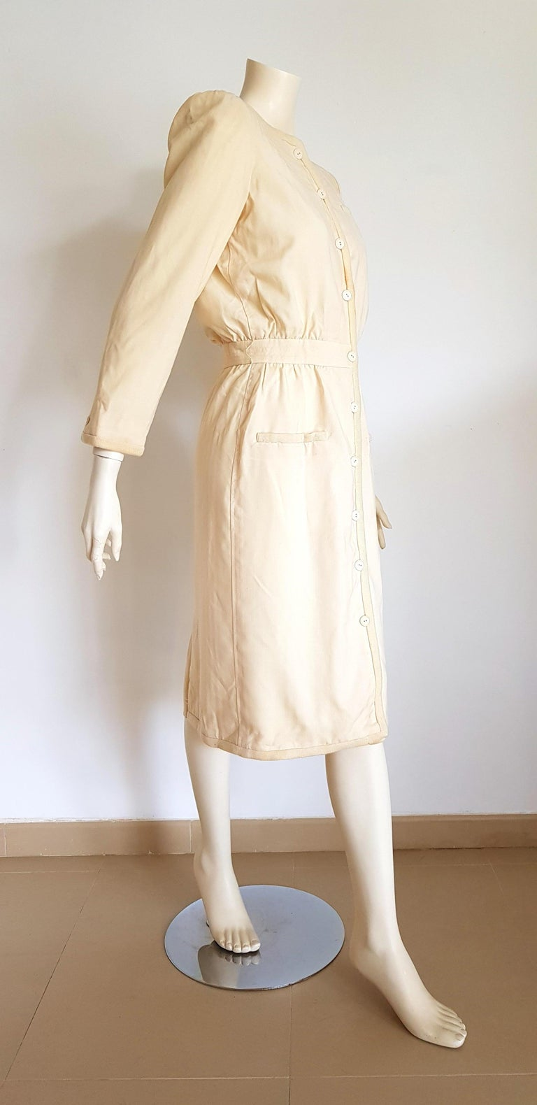 VALENTINO white cream silk and wool silk lined buttons dress - Unworn In Excellent Condition For Sale In Somo (Santander), ES