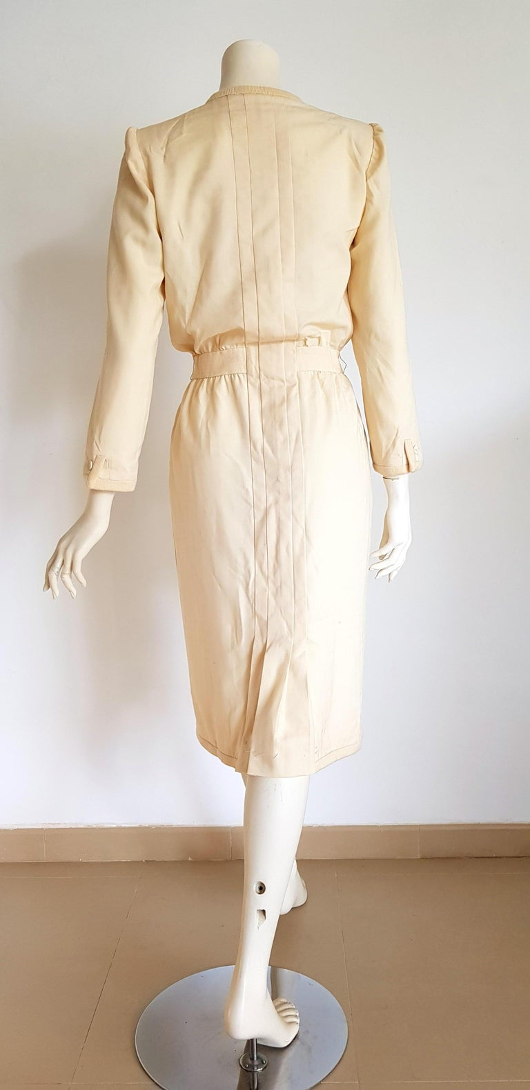 Women's VALENTINO white cream silk and wool silk lined buttons dress - Unworn For Sale