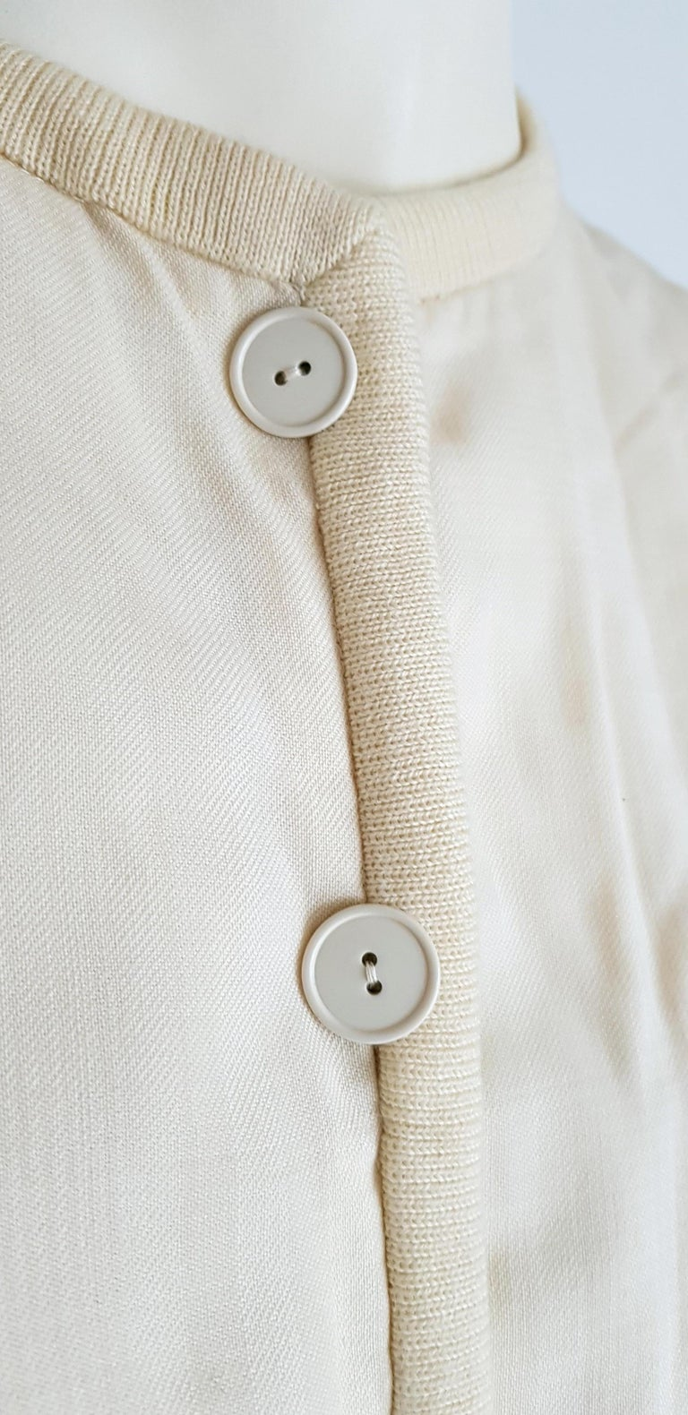 VALENTINO white cream silk and wool silk lined buttons dress - Unworn For Sale 4