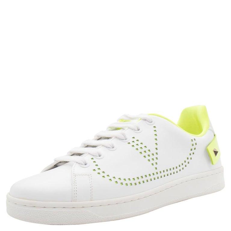 Valentino White/Florescent Green V-Logo Leather Sneakers Size 38.5 In New Condition For Sale In Dubai, Al Qouz 2
