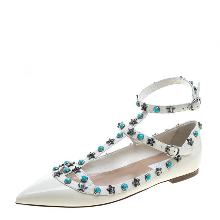 0b107581671f Valentino Weiße Lackleder Star Rolling Rockstud Cage Flache Schuhe Größe 38  1