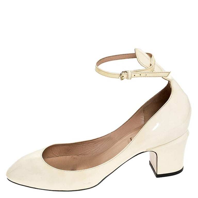 Valentino White Patent Leather Tango Ankle Strap Pumps Size 39.5 For Sale 2