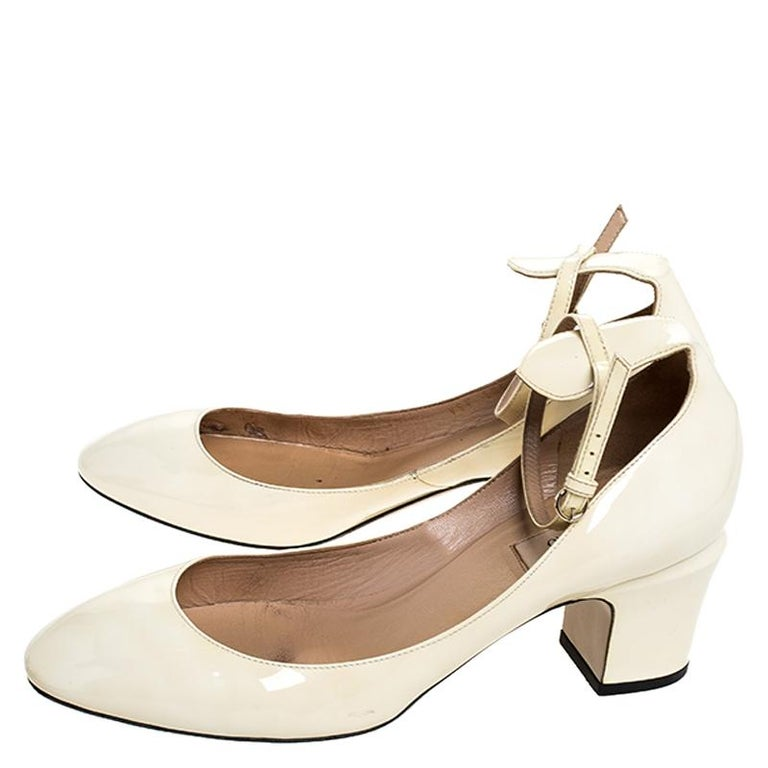 Valentino White Patent Leather Tango Ankle Strap Pumps Size 39.5 For Sale 3