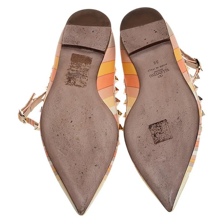 Valentino Yellow Graphics Rockstud Ankle Strap Cage Ballerina Flats Size 39 In Good Condition For Sale In Dubai, Al Qouz 2
