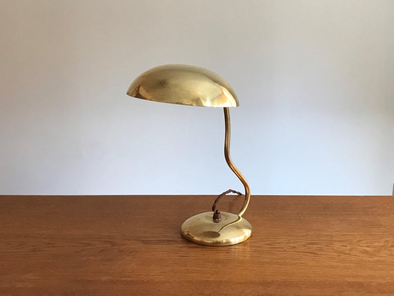 Scandinavian Modern Valinte OY, Modernist Organic Table Lamp, Brass, Bakelite, Finland, 1950s For Sale