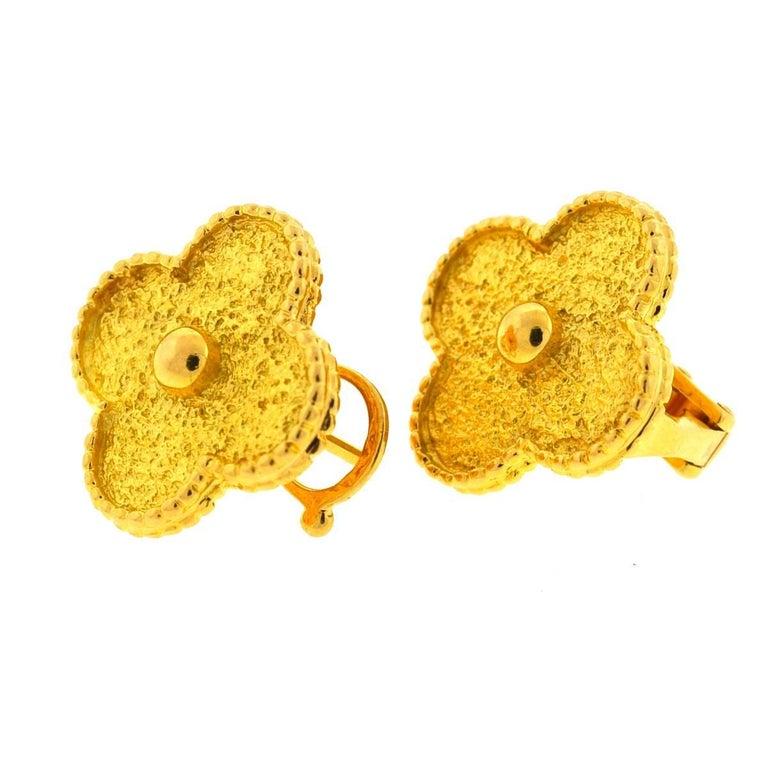 Women's Van Cleef & Arpels 18 Karat Gold Vintage Alhambra Stud Earrings For Sale
