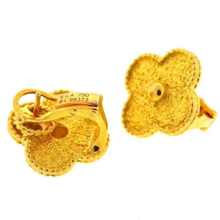 Van Cleef & Arpels 18 Karat Gold Vintage Alhambra Stud Earrings For Sale 1
