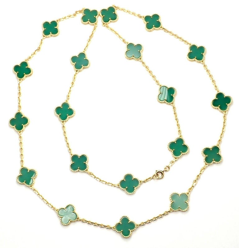 Van Cleef & Arpels 20 Chrysoprase Green Chalcedony Alhambra Yellow Gold Necklace For Sale 6