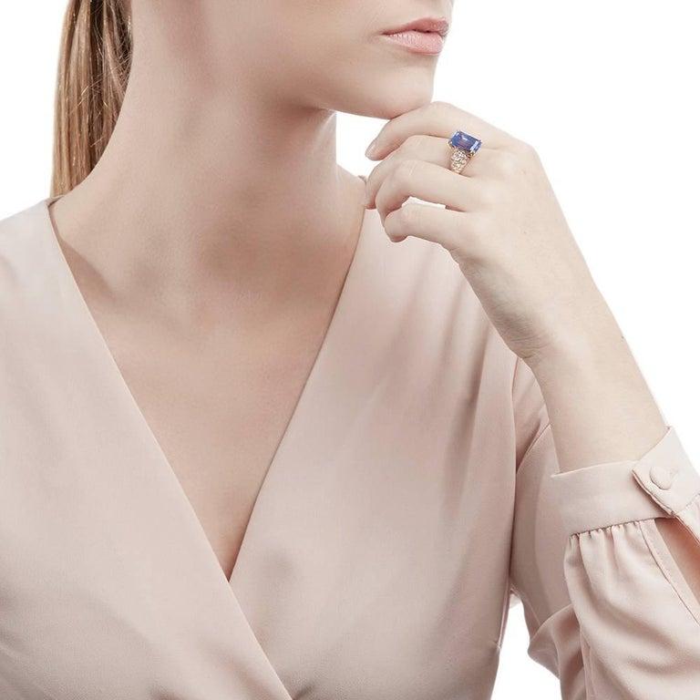 Van Cleef & Arpels 18 Karat Yellow Gold Certified Ceylon Sapphire Diamond Ring For Sale 5