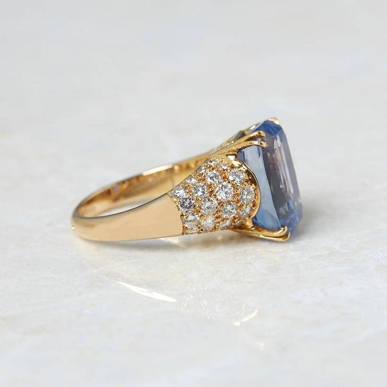 Cushion Cut Van Cleef & Arpels 18 Karat Yellow Gold Certified Ceylon Sapphire Diamond Ring For Sale