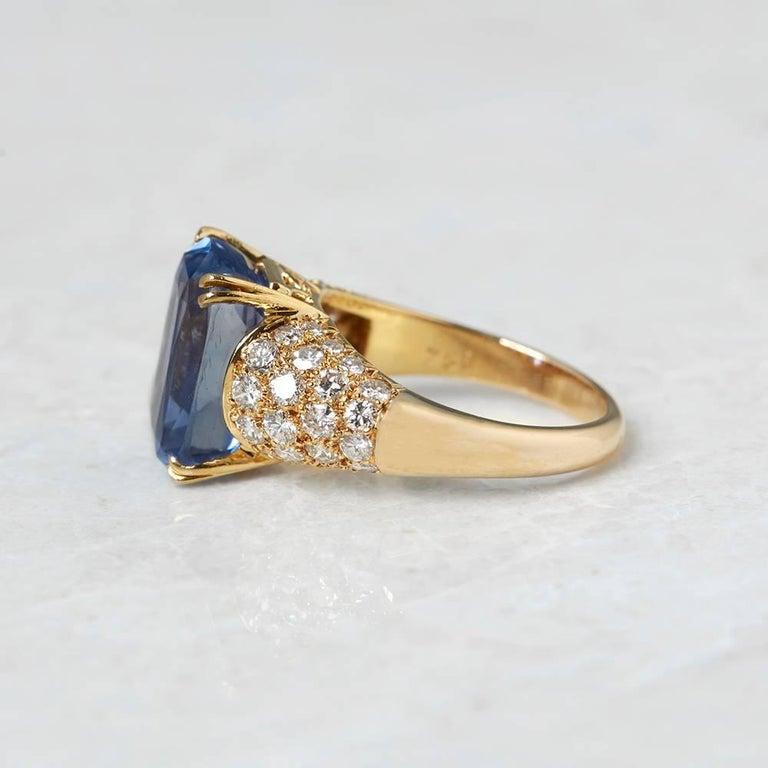 Van Cleef & Arpels 18 Karat Yellow Gold Certified Ceylon Sapphire Diamond Ring In Excellent Condition For Sale In Bishop's Stortford, Hertfordshire