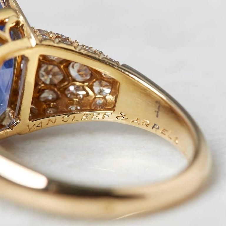 Van Cleef & Arpels 18 Karat Yellow Gold Certified Ceylon Sapphire Diamond Ring For Sale 2