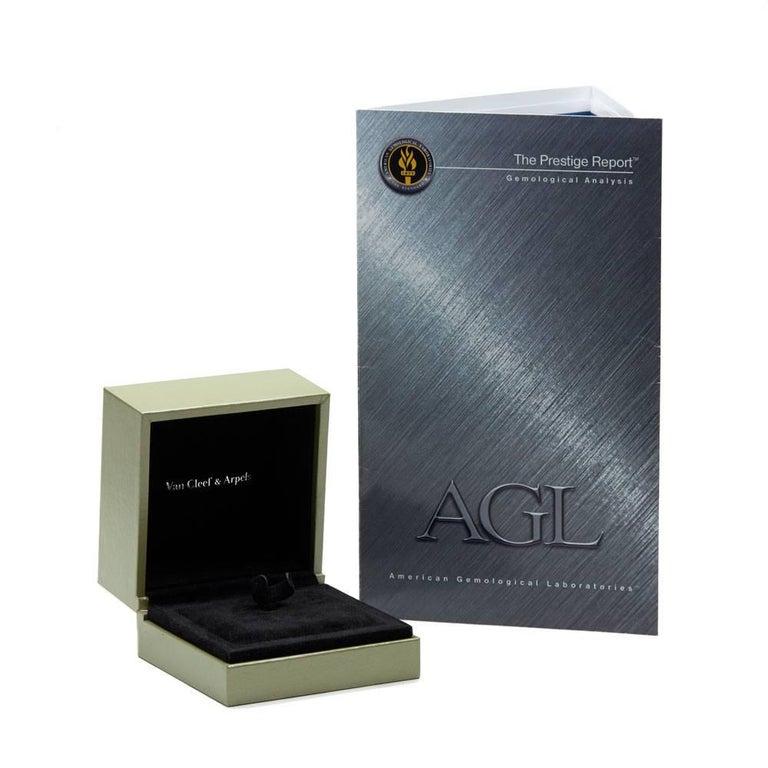 Van Cleef & Arpels 18 Karat Yellow Gold Certified Ceylon Sapphire Diamond Ring For Sale 3