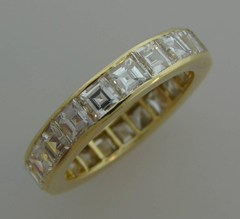 Van Cleef & Arpels Diamond Yellow Gold Eternity Band Ring VCA In Excellent Condition For Sale In Beverly Hills, CA