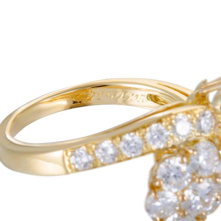Women's Van Cleef & Arpels Fleurette Diamond Flower Bypass Gold Ring For Sale