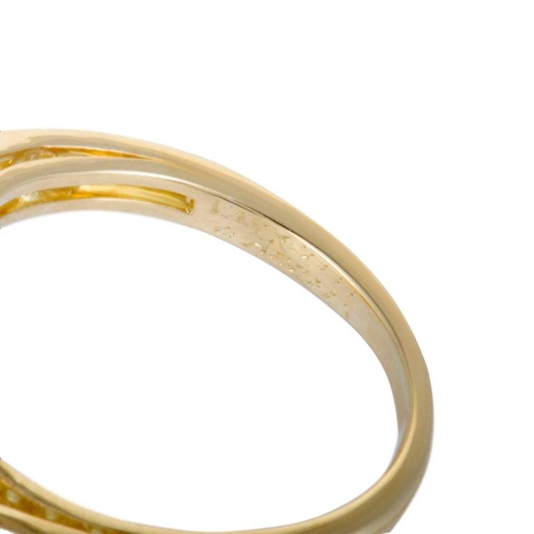 Van Cleef & Arpels Fleurette Diamond Flower Bypass Gold Ring For Sale 1